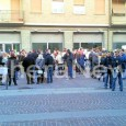 VOGHERA – Si è svolta questo pomeriggio in piazza Duomo la manifestazione della comunità islamica di Voghera. Quasi duecento le persone che si sono riunte nella piazzetta nei pressi all'ingresso...