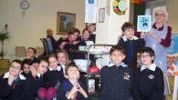 VOGHERA – Nella mattina di martedì 24 febbraio gli alunni della classe 4^B della Primaria De Amicis, ancora in occasione delle feste di Carnevale, si sono recati dai Nonni dello...