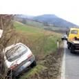 GODIASCO – Incidente ieri alle 13 sulla Sp del Penice a San Desiderio nel comune di Godiasco. Una Fiat 600, guidata da un 50enne di Varzi, è uscita di strada...