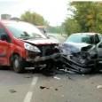 RETORBIDO – Grave incidente questo pomeriggio sulla provinciale sp1, Bressana -Salicenel comune di Retorbido. Un'auto e un furgone si sono scontrati in modo molto violento vicino alla ditta di materiale...