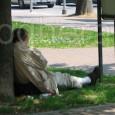 VOGHERA – La sua storia aveva colpito le coscienze e commosso. Era la storia di un uomo rimasto senza casa costretto a passare le notti a bordo della propria auto....