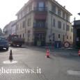 VOGHERA – Puntuale come annunciato dai cartelli stradali questa mattina è partito il cantiere lungo via Barenghi e via del Crocifisso per il potenziamento della fognatura. Gli ingressi delle due...