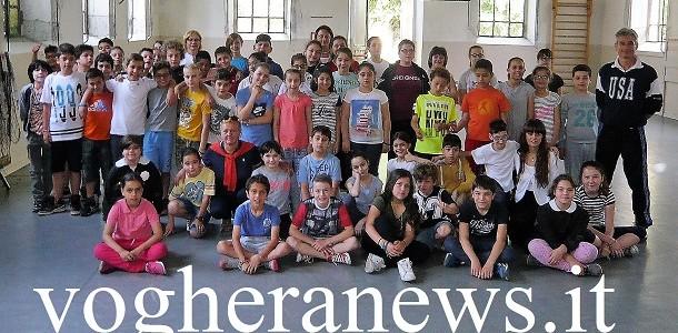 VOGHERA – Sta per concludersi alla scuola primaria De Amicis di Voghera l'edizione 2017 del corsi di Karate, un appuntamento divenuto ricorrente per la scuola vogherese, che può contare sulla...