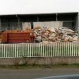 VOGHERA – Sul caso dei rifiuti abbandonati in strada o vicino ai cassonetti, come aveva denunciato un nostro lettore relativamente all'area artigianale lungo Strada Grippina, interviene il Comune. Dopo quella...