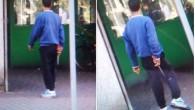 VOGHERA – La foto ha talmente dell'incredibile che sembra un falso. Invece è tutto vero. E' tutto vero che, ieri, un uomo s'aggirava indisturbato per la città con in mano...
