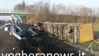VOGHERA – Tragedia sfiorata questa mattina poco prima delle 9 sulla A21, nel tratto nel comune di Voghera. Un lungo tir è uscito di strada finendo nella scarpata. Il mezzo...