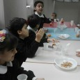 """VOGHERA – Nei plessi di scuola primaria del Comprensivo di via Marsala continua il progetto europeo """"Frutta e Verdura, il valore di una sana e corretta alimentazione"""". In questi giorni..."""