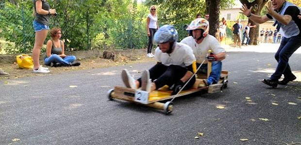RIVANAZZANO TERME - Nel week-end si apre a Rivanazzano Terme la stagione dei carrettini. Dopo il preludio con iscrizioni e verifiche tecniche di questo pomeriggio presso il Centro Sportivo con...