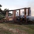 PONTE NIZZA – Notte di fuoco a Ponte Nizza. A partire dall'una i vigili del fuoco hanno lavorato per spegnere un incendio all'interno di un fienile di 200 mq contenete...