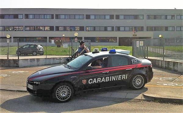 carabinieri voghera arresto-droga-scuola-maserati-600
