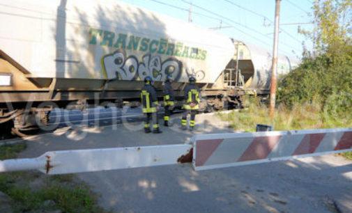 CORVINO SAN QUIRICO 28/10/2014: Treno merci travolge una persona. Deceduto un uomo.