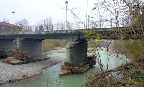 """SALICE TERME 28/11/2014: Ponte danneggiato. Ora occorre evitare il crollo. """"200mila euro solo per puntellarlo. 500mila euro per riuscire a riaprirlo"""""""