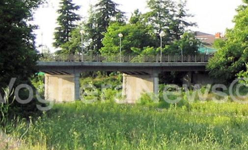 GODIASCO SALICE TERME 16/11/2014: Piogge e dissesto idrogeologico. La Valle Staffora non ce la fa. Cede un pilone. Chiuso il ponte per Salice