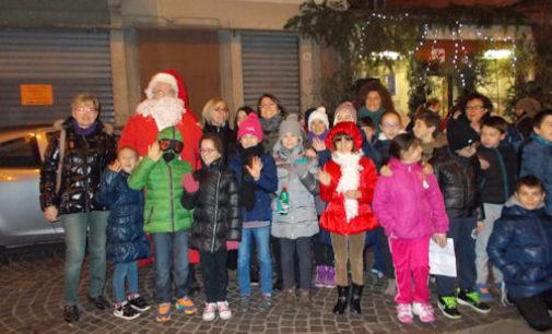 """VOGHERA 15/12/2014: """"Christmas time"""" con gli alunni delle Scuole Primarie De Amicis e Leonardo"""
