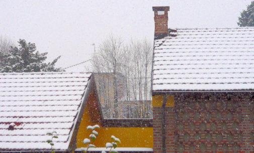 PAVIA VOGHERA VIGEVANO 27/12/2014: Nevica su tutta la provincia. Così le previsioni per oggi e domani