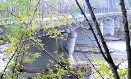 SALICE TERME 04/12/2014: Ponte chiuso. I commercianti raccolgono firme da portare in Provincia