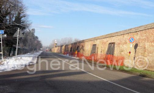 CERTOSA 23/01/2015: In via di ultimazione il consolidamento delle mura di cinta della Certosa. I 5 contrafforti in ferro ora vengono rivestiti in mattoni