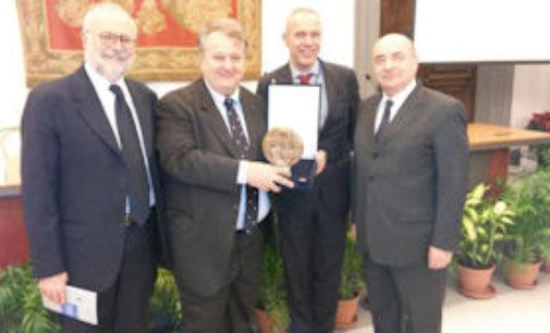 VOGHERA 08/01/2015: Al Comune di Voghera, il premio per i gemellaggi intitolato a Gianfranco Martini