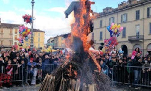 VOGHERA 22/02/2015: Oggi il Carnevale iriense. La Festa (ritorno della saga di Buricinela, le maschere e il falò) dalle ore 15 in piazza Duomo