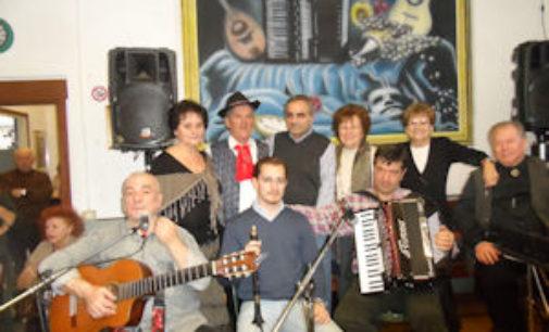 VOGHERA 02/02/2015: Bella domenica al Centro Anziani con la musica dei Pifferi piacentini