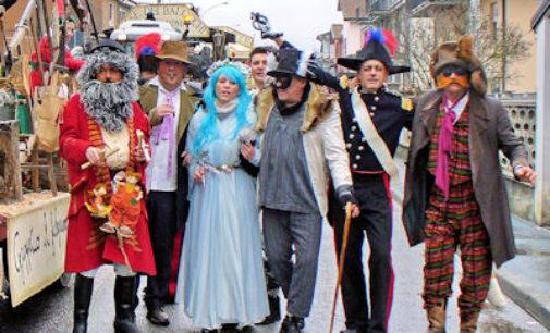 """VARZI 23/02/2015: Carnevale. Ieri la sfilata dei carri. Ha vinto """"Pinocchio e il paese dei balocchi"""" di Bosmenso"""