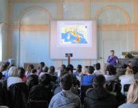 VOGHERA 17/03/2015: Scuola. Alla Dante lezione di terremoti e vulcani