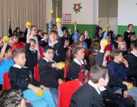 """VOGHERA 13/03/2015: Frutta Day a Scuola. Agli alunni della De Amicis il """"patentino del giovane fruttologo"""""""