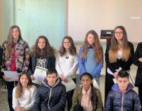 """VOGHERA 11/03/2015: Scuola.""""Un poster per la pace"""". Premiati gli alunni della Plana"""