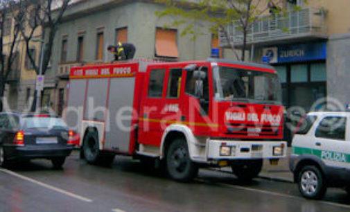 VOGHERA 11/03/2015: Allarme incendio in strada Bobbio. Stufa a pellet manda a fuoco il camino. Sterpaglie a fuoco in via Fanti e Sturla