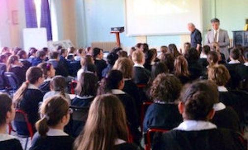VOGHERA 26/04/2015: Scuola. Lezioni di Astronomia e Storia degli Alpini per gli alunni della Dante