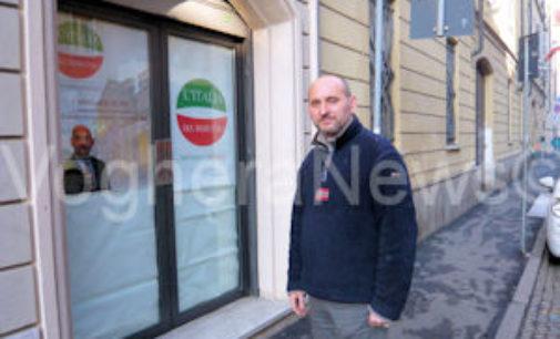 """VOGHERA 15/05/2015: Elezioni. """"Rubati"""" 6 manifesti dell'Italia del rispetto. Aquilini pensa alla denuncia"""