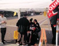 PAVIA 04/05/2015: Banchetto di Forza Nuova in piazza Vittoria