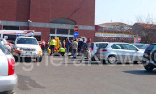 VOGHERA 20/05/2015: Uomo svenuto nell'auto chiusa. Arrivano medici e pompieri