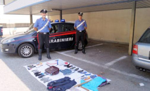 """DORNO 05/08/2015: """"Trenino"""" di auto rubate intercettate dai carabinieri. Recupera un'Audi e altra refurtiva"""