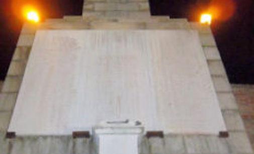 VOGHERA 04/11/2015: Grande Guerra. Anche CasaPound depone rose e corone in omaggio ai Caduti