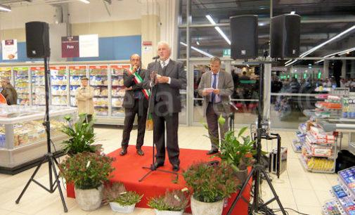 VOGHERA 11/11/2015: Convenienza, impegno sociale, qualità e sicurezza alimentare. Inaugurato oggi il nuovo supermercato Coop. Domani alle 7.30 l'apertura al pubblico