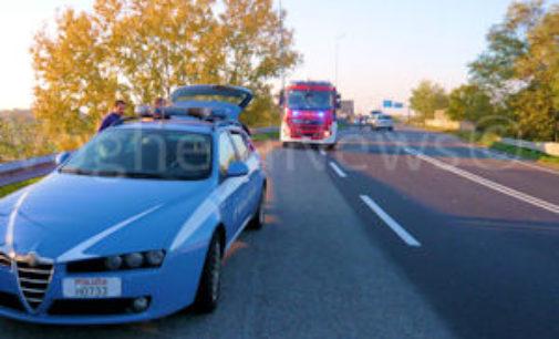 VOGHERA 02/11/2015: Pauroso scontro sulla tangenziale. Auto finisce quasi sotto ad un Tir. Ferita una donna