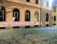 PAVIA 27/11/2015: Laurea a Napolitano. Blocco studentesco protesta