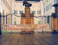 PAVIA 14/12/2015: Striscioni di Blocco Studentesco stamattina in città