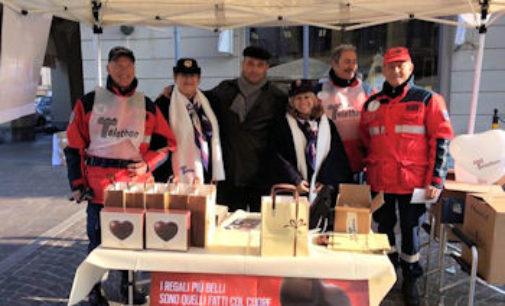 """VOGHERA 21/12/2015: Telethon. Anche l' Associazione Carabinieri in congedo ha partecipato alla maratona """"anti cancro"""""""