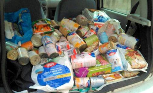 """VOGHERA 18/12/2015: Parte col botto l'iniziativa pro animali di Coop ed Enpa """"Alimenta l'amore"""""""