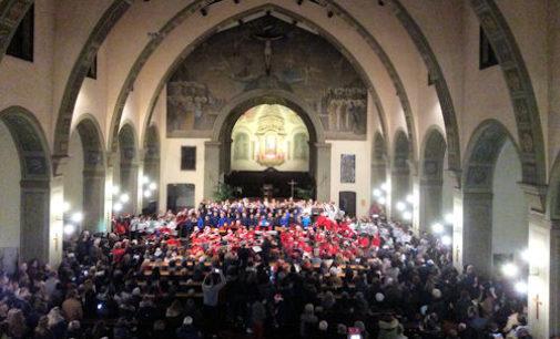 VOGHERA 18/12/2015: Scuola. Concerto in chiesa per 250 alunni dell'I.C. di via Dante
