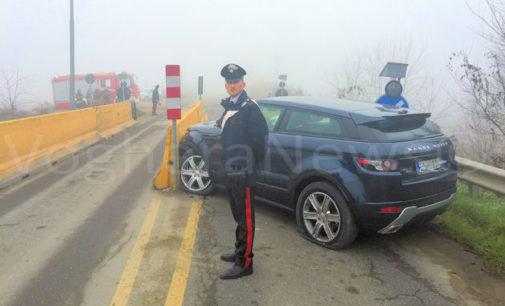 CORNALE 29/12/2015: Incidente alle barriere del ponte. Due automobilisti al pronto soccorso