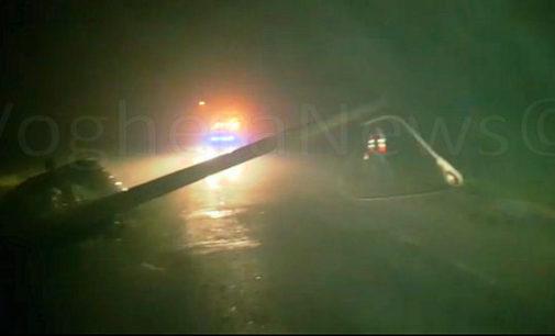 VOGHERA 19/12/2015: Auto fuori strada. Il palo cede e l'automobilista si salva. Paura nella notte in strada Oriolo