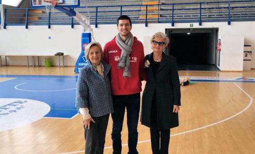 VOGHERA 30/01/2016: Palazzetto cardioprotetto con il defibrillatore donato alla Nuova Olimpia Basket dalle Donne Medico Pavia