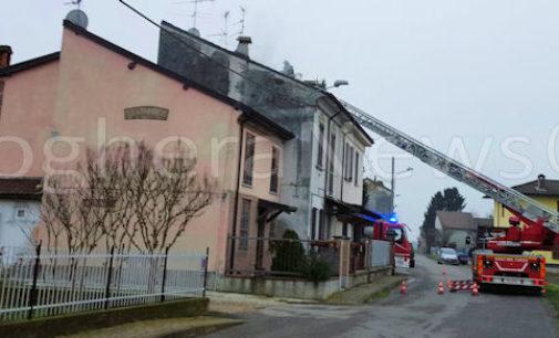 PIZZALE 05/01/2016: Incendio dal camino. Danneggiato il tetto di una casa