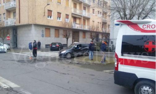 VOGHERA 01/01/2016: Scontro in via Vittorio Veneto via dei Mille. Due i feriti