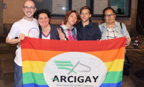 PAVIA 21/01/2016: Unioni Civili. Arcigay Pavia in piazza sabato per la piena parità di diritti