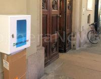 VOGHERA 26/02/2016: Un nuovo defibrillatore in città. Lo ha donato l'Avis ed è stato messo in piazza Duomo fuori dal Municipio