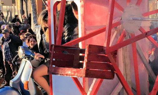 """VARZI 22/02/2016: Carnevale. Grande festa ieri in Valle Staffora. Fra i tanti carri in gara hanno vinto i """"Favolosi anni 60"""""""